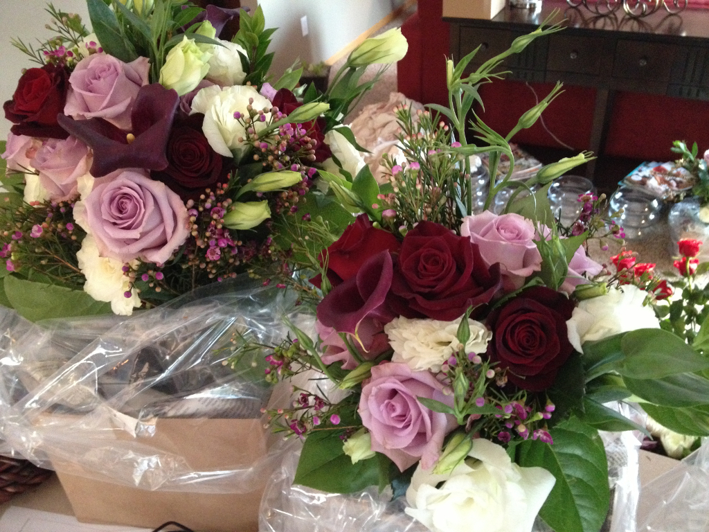 Flower Baskets Delivery : Lavendar and bacarra roses calla lilies valentine s day