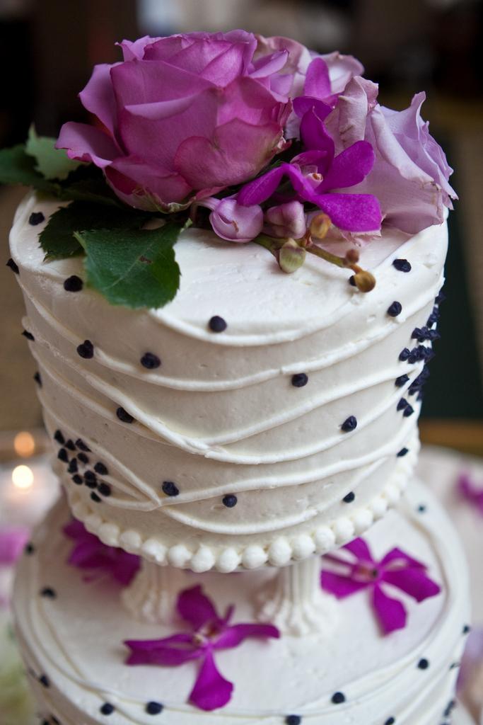Groovy Cake Decor Julie And Steve Cakes Centerpieces And Download Free Architecture Designs Pendunizatbritishbridgeorg